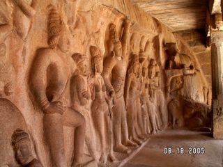 Cave Scupture - GovardanaGiri dhara Mammallapuram Aug 05