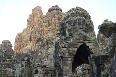 Faces_of_bayon_2