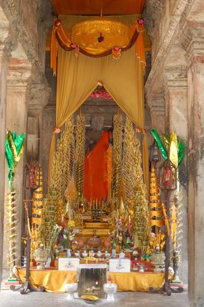 Angkor_buddha