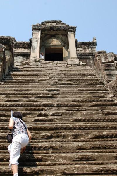 Angkor_wat_steps