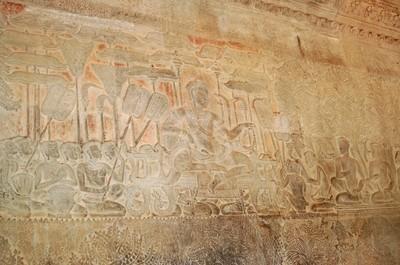 Angkor_wat_suryavarman_bristling_wi