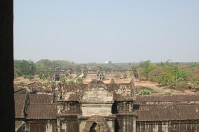 Angkor_wat_views_from_atop_setting_